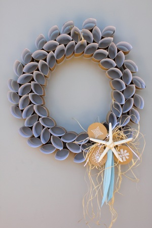toilet paper roll DIY Christmas Wreath
