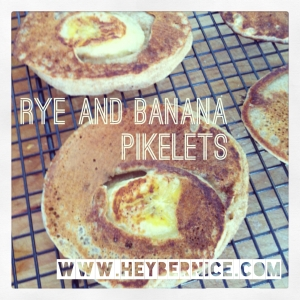 Rye and banana pikelets
