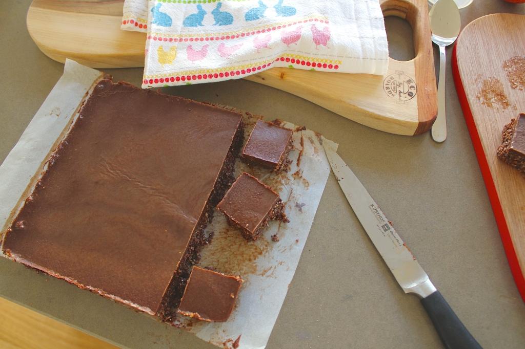 Hey Bernice Raw chocolate slice brownie cocoa almonds cashews chia wholefoods healthy health kids food recipe