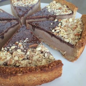 Paleo dessert salted caramel tart gluten free dairy free sugar free sweet recipe